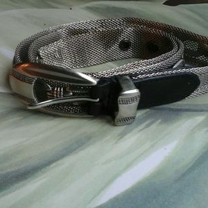 BELT WITH BRIGHTON LOOK  BLACK AND SILVER TONE